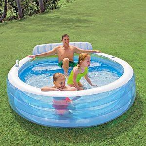Family Lounge Pool